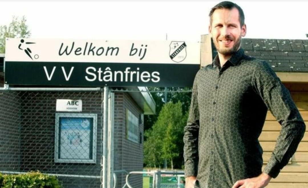 Trainer Schapelhouman verlengt bij Stânfries